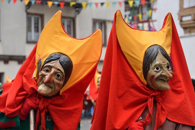 2 Hexenmasken