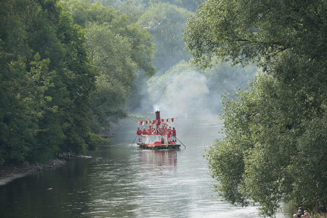 Naabada, Dampfschiff uf der Donau